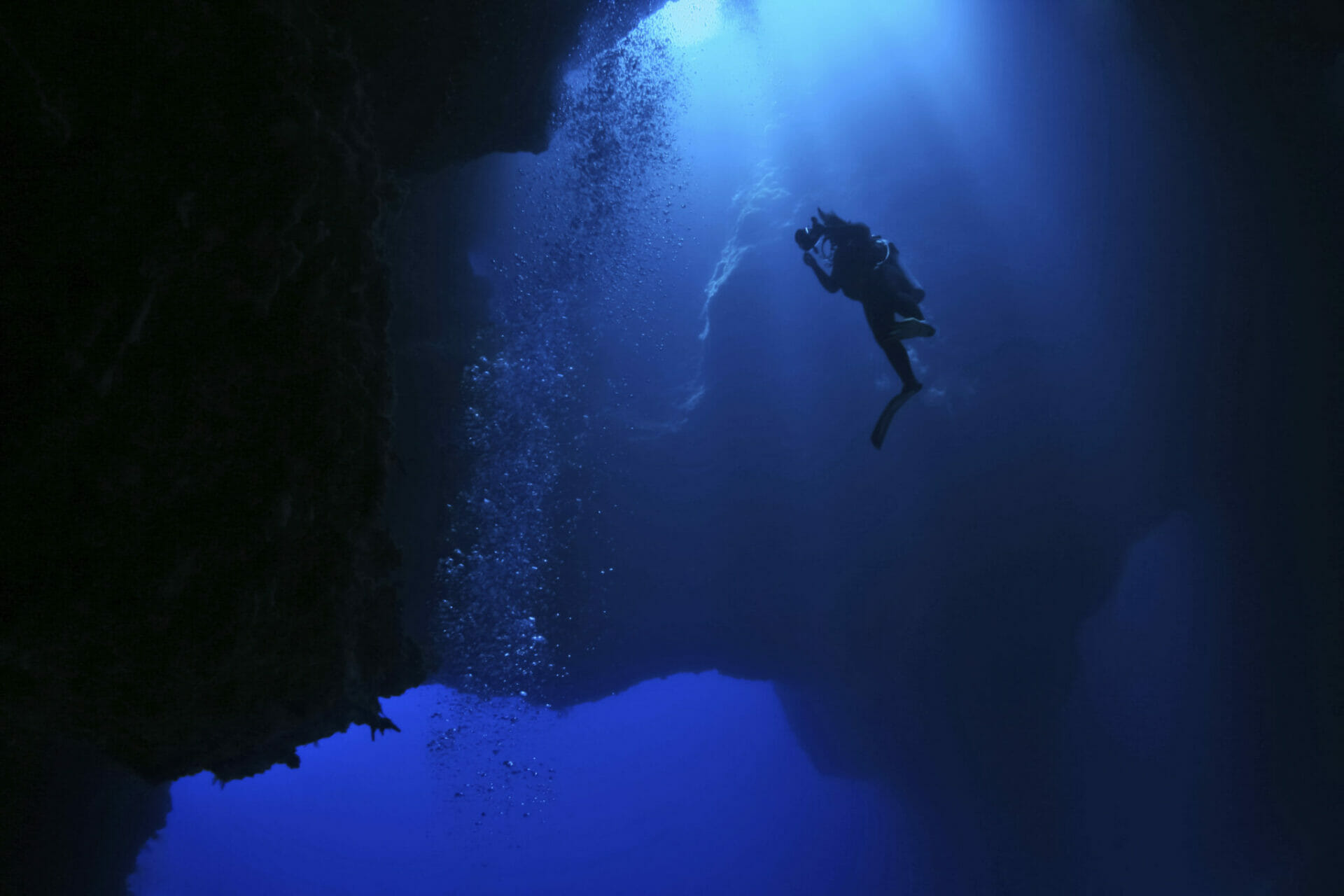 Here is Why You should dive The Blue Holes in Palau ASAP